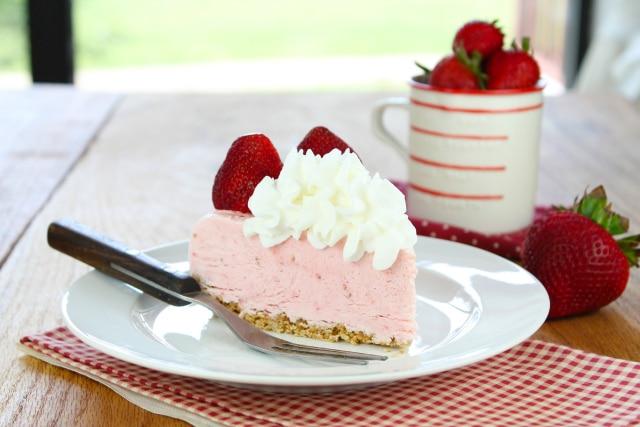 Strawberry cheesecake ice-cream