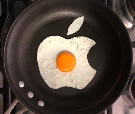 apple eggs art