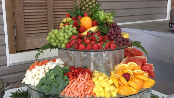 catering with fruit