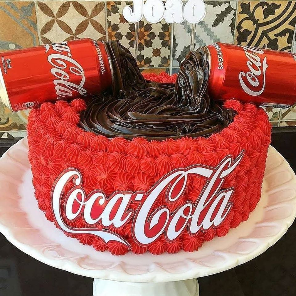 Fine Cakes For Coca Cola Lovers Are You One Of Them Tasty Food Ideas Funny Birthday Cards Online Necthendildamsfinfo