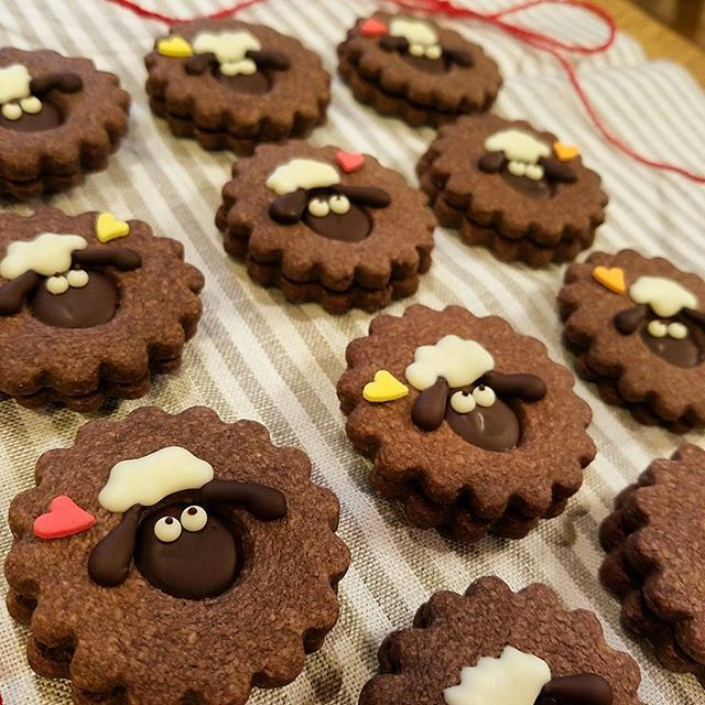 sheep themed cookie